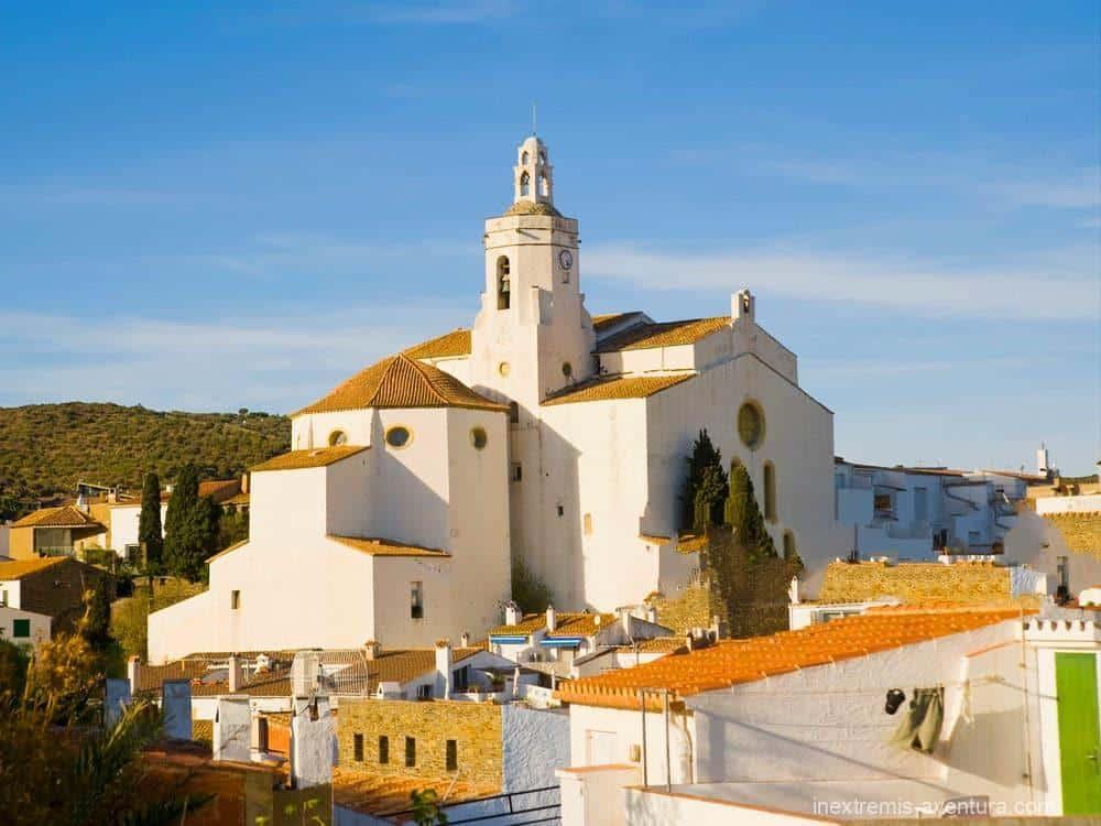 Randonnée Cadaqués Tour du Cap de Creus Costa Brava - Eglise Cadaqués - Espagne